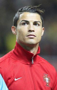Cristiano Ronaldo ferait capoter le transfert de Falcao - http://www.actusports.fr/109169/cristiano-ronaldo-ferait-capoter-transfert-falcao/