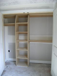 71 Easy and Affordable DIY Wood Closet Shelves Ideas - Regale Ideen Wood Closet Shelves, Building Closet Shelves, Build A Closet, Master Bedroom Closet, Diy Bedroom, Trendy Bedroom, Bedroom Closets, Bedroom Closet Design, Wardrobe Design