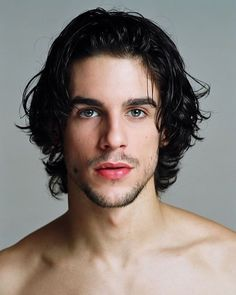 Gorgeous men from Spain Beautiful Men Faces, Gorgeous Men, Medium Hair Styles, Long Hair Styles, Spanish Men, Cool Hairstyles For Men, Awesome Beards, Dark Blonde, Hair And Beard Styles