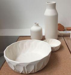 Saladier et coupe avant cuisson. Porcelaine. Brigitte Morel