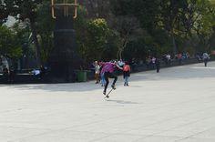 Habilidad en patineta por las calles