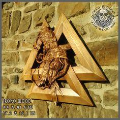 HAND MADE WOOD CARVED PICTURE #Raven #hugin # munin #Parchment #Ragnar #Viking #Odin #Home Decor #Art #Norse #Wood Picture #Pagan Gods #Carving #Wood Work #Heathen #Asatru #Celtic #Norse #Rune #Wall Hanging #Ragnarok #Valkiria #Thor #Thor hammer #rune #Knotwork #Wall art #Berserk #Valknut #Walknut #Fenrir # wood carving #norse décor #yggdrasil #rustic # sculpture #skull #raven #loki #freya #mjolnir #drakkar #drakar #amulet #awe #vegvisir #metallica