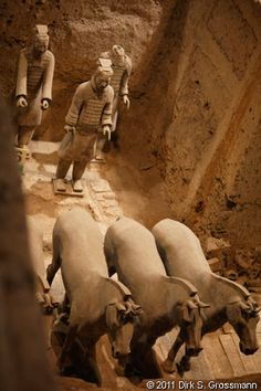 Terracotta Army Pit 2 (Click for next image)