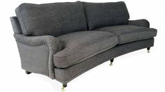 Svängd Howardsoffa med dun. Köp direkt hos Sweef. Finns även i krämvit o rak = 8000 kr Love Seat, Couch, Furniture, Home Decor, Scrappy Quilts, Settee, Decoration Home, Room Decor, Small Sofa