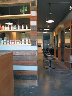 HeartBreaker Salon. Cute different wood pattern