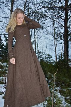 Tolkning av Kong Knuts kones kjole ;) (Vikingsnitt)