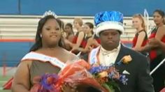Firts time ever, two students with Down Syndrome crowned Homecoming King, Queen👌💕 Teen Couples, Cute Couples, African American News, Down Syndrome People, West Orange, Inspirational Videos, Special People, Special Needs, Worlds Of Fun