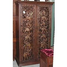 ohhhh - love hand carved Thai furniture