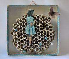 art box, assemblage by papiertänzerin. Shadow Box Kunst, Shadow Box Art, Found Object Art, Found Art, Matchbox Art, Tin Art, Assemblage Art, Small Art, Altar