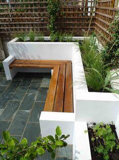 stolpverk med överliggare – rumsbildande Uppmurade växtbäddar, inbyggda bänkar. Dold belysning. | Garden | Pinterest | Trädgårdar, Belysning och Krukor