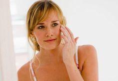 Dans la salle de bainsLes pros sont unanimes, l'hydratation, c'est le premier geste anti-âge. - Tournez-vous vers des soins gorgés d'actifs hydratants, comme l'acide hyaluronique ou des formules qui
