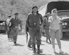 Che y Aleida March, Cuba. Che Guevara Photos, Cuba History, Ernesto Che Guevara, British Journal Of Photography, Famous Pictures, Cienfuegos, Fidel Castro, Red Army, My People