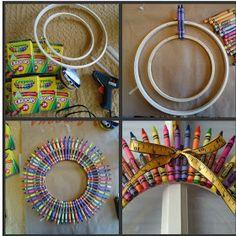 mags and lou: Crayon Wreath Teacher Crayon Wreath, Teacher Wreaths, School Wreaths, Crayon Wreaths, Classroom Wreath Diy, Classroom Door, Future Classroom, Wreath Crafts, Diy Wreath