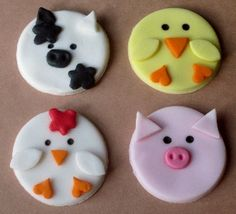 Easy barnyard decorations....could be used with stories like Duck for President!