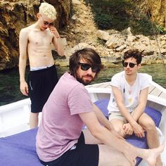 """Years & Years no Instagram: """"ibizaaaa we are here for @ibizarocks it's so sunny and lovely and we can't wait yey"""""""