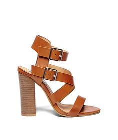 KRYSTYNE: STEVE MADDEN // grad shoes