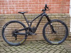 We tracked down Pete Drew from Silverfish to give us the long, slack and low down on the stealth black 'rowdy' trail bike Mtb Bike, Bike Trails, Bicycle, Olympus Digital Camera, Mountain Biking, Silverfish, Minimal, Black, Bicycles