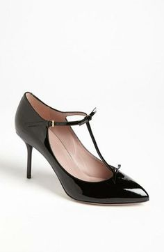 "adorable Gucci ""Beverly"" black pump"
