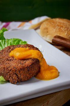 burger di azuki alle erbe aromatiche e ketchup di carote