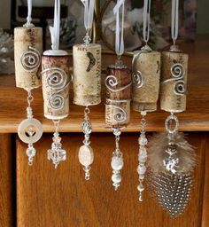 The Best Fabulous DIY Wine Cork Decoration Ideas That Easy To Make It DIY Wine Cork Decorating Ideas is an idea of creativity that you must have. because even with the wine cork or the rest but you don't throw it away,. Wine Craft, Wine Cork Crafts, Wine Bottle Crafts, Recycled Wine Bottles, Wine Bottle Corks, Bottle Bottle, Vodka Bottle, Wine Cork Ornaments, Ornaments Ideas