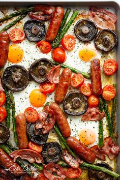 Sheet Pan Full Breakfast complete with eggs, bacon, sausages, tomatoes, asparagus, and GARLIC BUTTER MUSHROOMS! And only one pan to wash up! | https://cafedelites.com