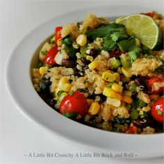 Meatless Monday A Little Bit Crunchy A Little Bit Rock and Roll: Quinoa Salad with Black Beans and Corn Clean Recipes, Whole Food Recipes, Cooking Recipes, Cooking Ideas, Food Ideas, Vegetable Recipes, Vegetarian Recipes, Healthy Recipes, Healthy Salads