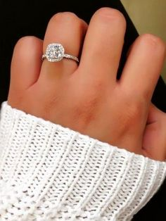 halo engagement wedding ring_cr httpwwwdeerpearlflowerscomhalo - Wedding Rings Pinterest