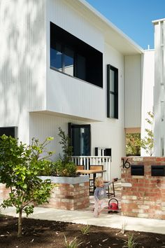 Gen Y by David Barr Architects is a multi award winning, multi-residential project which addresses affordable housing solutions in Australia House Cladding, Architecture Awards, Australian Homes, Affordable Housing, Perth, Sustainability, Art Deco, New Homes, Architects