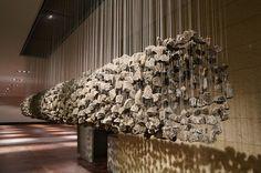Жаба.ru : прикольные картинки : Скульптуры-инсталляции из висящих камней - Картинки