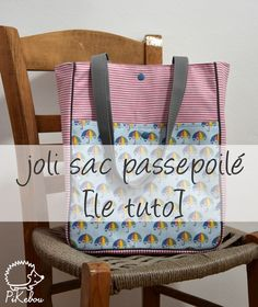 Sewing Bags Le Joli sac passepoilé – Pikebou – Sew Your Bag Coin Couture, Couture Sewing, Couture Bags, Fabric Handbags, Fabric Bags, Diy Sac, Pouch Tutorial, Crochet Purses, Sewing Patterns
