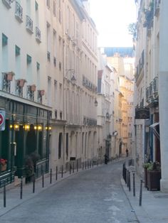 Rue Saint Sulpice, Paris