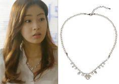 "Kang So Ra in ""Doctor Stranger"" Episode 10.  Blackmuse Pearl and Crystal Necklace #Kdrama #DoctorStranger #KangSoRa #강소라"