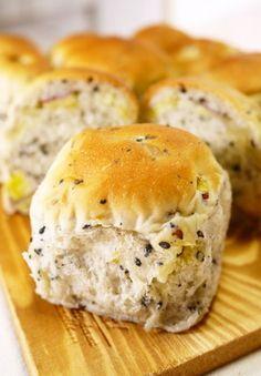 【菓子パン】黒ごまさつまいも★ちぎりパン
