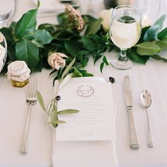 I just adore this clean organic and minimal table top detail. Featured yesterday on @smpweddings Link in profile #sacramentowedding #stylemepretty #organicwedding #weddingideas #weddinginspiration #cake #weddingcake #beauty #love #filmisnotdead #film #portra #portra400 #contax645 #sacramento #smp #smpweddings by marielhannah