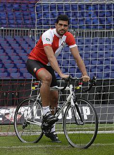 Feyenoord lanceert eigen wielerkledinglijn