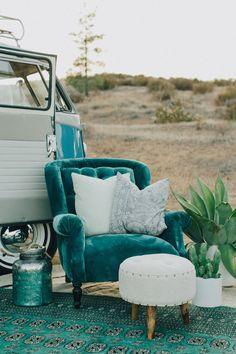 Crazy Ideas: Vintage Home Decor Chic Cabinets vintage home decor living room small spaces.Vintage Home Decor Victorian Mansions vintage home decor living room chairs.Vintage Home Decor Eclectic Coffee Tables. My Living Room, Living Room Decor, Turquoise Room, Turquoise Furniture, Decoration Entree, Creation Deco, My New Room, Vintage Home Decor, Turquoise Home Decor