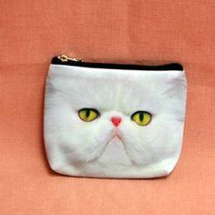 Porte monnaie plat en tissu avec motif chat persan blanc.  Dimension: 10.5 cm x 12cm