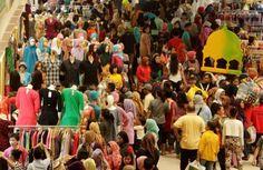 Penganut Konsumerisme Menjelang Lebaran Idul Fitri
