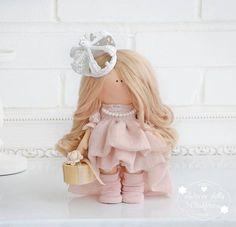 fotos de pared de Maria   598 fotos   VK Rag Doll Tutorial, Homemade Dolls, Pink Doll, Crochet Doll Pattern, Photos Du, Wall Photos, Sewing Toys, Soft Dolls, Cute Dolls