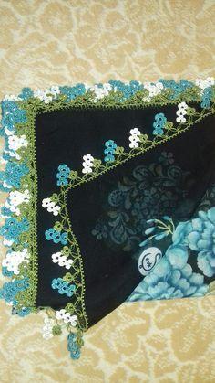 "ben yaptım nasil olmuş [ ""be Crochet Art, Cute Crochet, Crochet Shawl, Crochet Crafts, Crochet Projects, Crochet Borders, Crochet Blanket Patterns, Baby Knitting Patterns, Sewing Patterns"