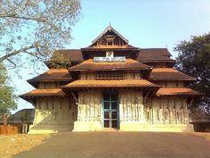 Vadakkumnathan Temple, Thrissur, Kerala Kerala Travel, Kerala Tourism, India Travel, Kerala India, South India, Hinduism History, Indian Architecture, Temple Architecture, Sanctum Sanctorum