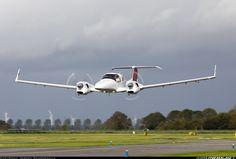 Diamond DA-42 composite twin. Made in Canada. The safest twin piston airplane in the world. lessonator.com