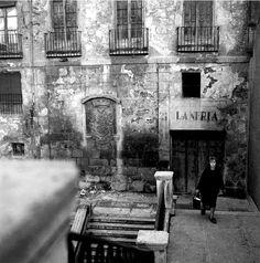 1964 - La desaparecida Casa del Pastor. El escudo, el más antiguo de Madrid, se encuentra ahora en la cass que ocupa su solar.