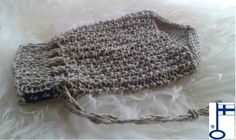 M Pellava 2 - huhtikuu 2015 - by itu Itu, Crochet Hats, Fashion, Knitting Hats, Moda, Fashion Styles, Fashion Illustrations