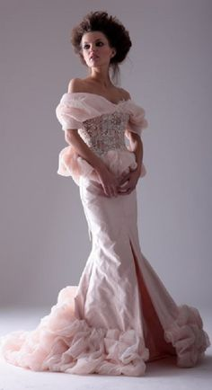 Muse Collection Callas wedding gown and photo courtesy of Marina Mansanta