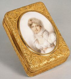1815 French Snuffbox at the Metropolitan Museum of Art, New York