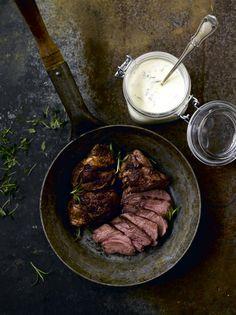 Karitsan paahtopaistit // Pan Roasted Lamb  Food & Style Jasmin Latva-Koivisto Photo Sanna Peurakoski Maku 2/2015, www.maku.fi