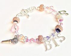Bts Bracelet, Bracelets, Colar Do Bts, Bts Clothing, Bts Merch, Acrylic Charms, Bts Video, Mode Outfits, Bts Boys
