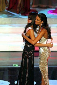 Zuleyka Jerrís Rivera - Puerto Rico - Miss Universe 2006 Zuleyka Rivera Miss Universe, Miss Universe 2000, Positive Affirmations Quotes, Mendoza, Screen Shot, Puerto Rico, Queen, Formal Dresses, People