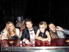 Reunions: Napoleon Dynamite - Haylie Duff, Tina the Llama, Jon Heder, Tina Majorino, and Efren Ramirez